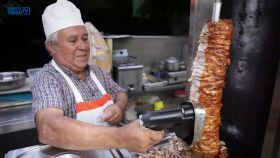 video-▶-pao-com-chourico-bifana-ou-kebab
