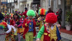 ▶video-mais-de-3-mil-mascarados-participaram-no-desfile-de-carnaval-de-santo-tirso