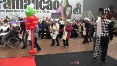Carnaval Sénior trouxe um colorido e animação especial à tarde dos mais idosos