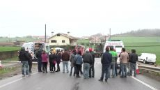 Aparatoso acidente na fronteira entre Fradelos e Balazar, tendo provocado 1 ferido ligeiro